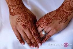 """Arabic """"veil"""" style henna"""