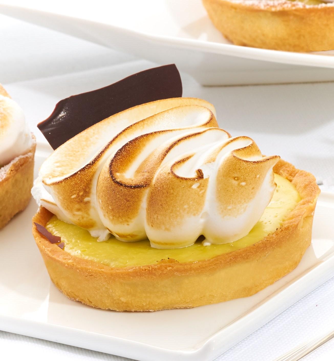 Lemon meringue portion pai