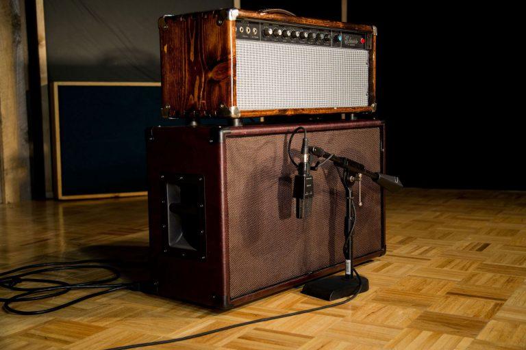 Recording Guitar in Recording Studio Cleveland through Peavey Classic VT Guitar Amp