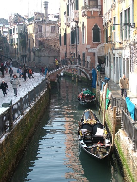 Canal scene with snow, Venice © Henry Hyde