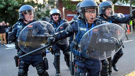 melbourne-cops.jpg