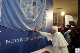 Papa-bendición-un-bandera-thumb.jpg