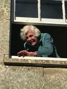 mum - window