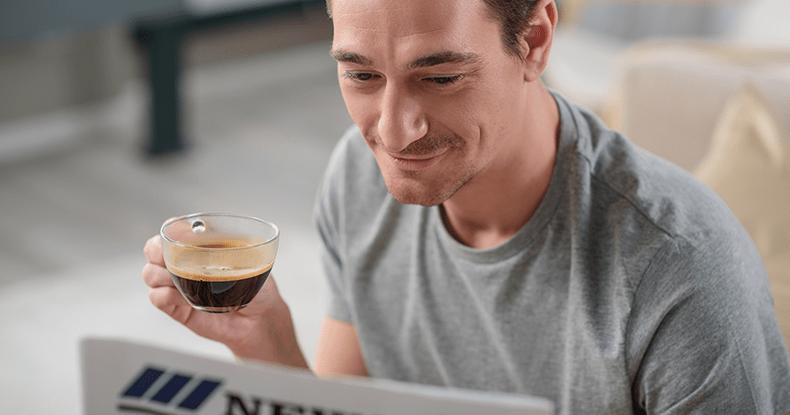 コーヒータイムを満喫する