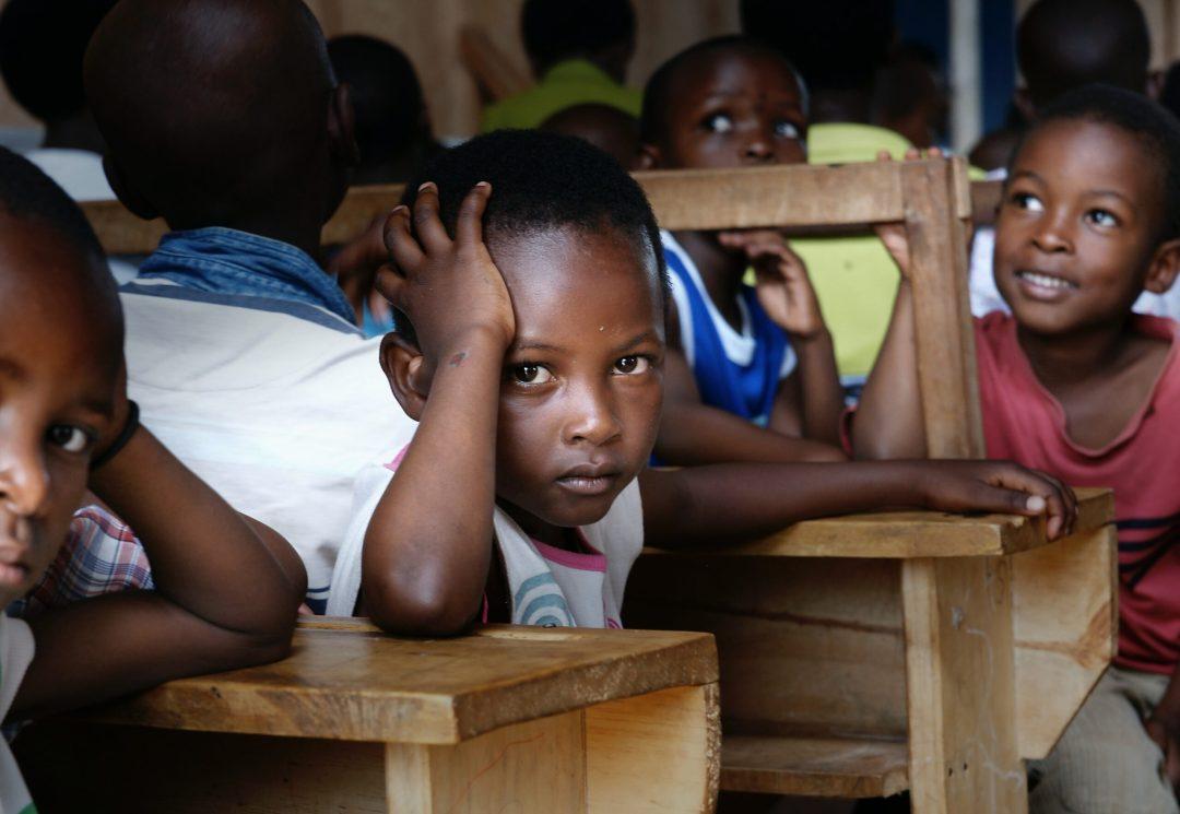 Child bored at a desk by Bill Wegener @ Unsplash.com