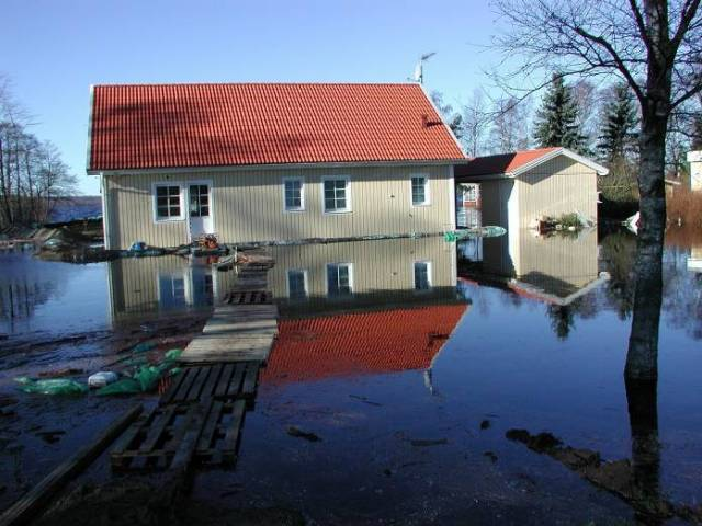 Flooding of Lake Finjasjön in Winter 2002. Source: SMHI's image archive. Photographer: Gunn Persson