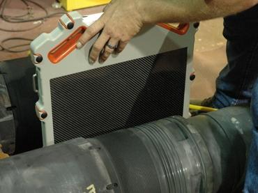 Ausrüstung einer DR-Prüfung: Ein mobiler Detektor im Aufbau
