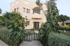 Beautiful 4 bedroom villa in Janabiyah – Villas for rent in Bahrain