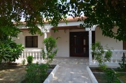Cozy 4 BR compound villa is available for rent in Saar