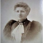 Portrait de Jeanne Delphine ORRILLARD, veuve WEIMANN, vers 1900, mercière à Poitiers
