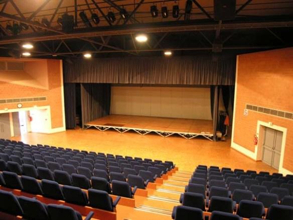 auditorium salle Agora à Jaunay Marigny, Vienne 86, 40 ans Cercle généalogique Poitevin