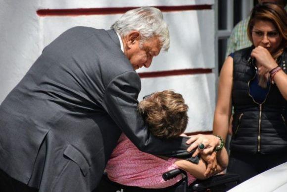 Quién era Candelaria, hermana de AMLO que falleció hoy? | El Heraldo de  México