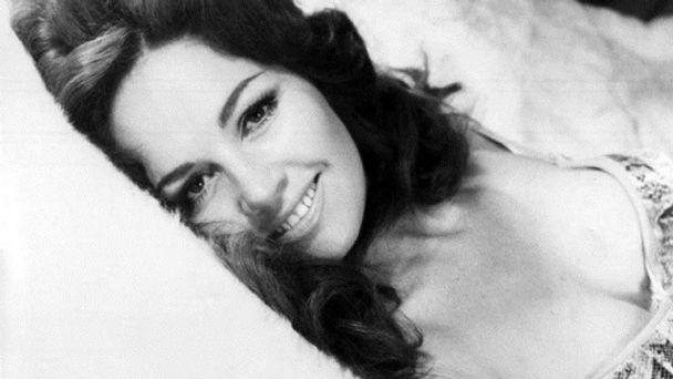 Isela Vega, una mujer que trascendió en el CINE MEXICANO de los años 60 y  70   El Heraldo de México