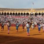 La Junta de Andalucía evita pronunciarse a cinco días de que arranque la Feria de Abril y pide 'explicaciones' al Gobierno