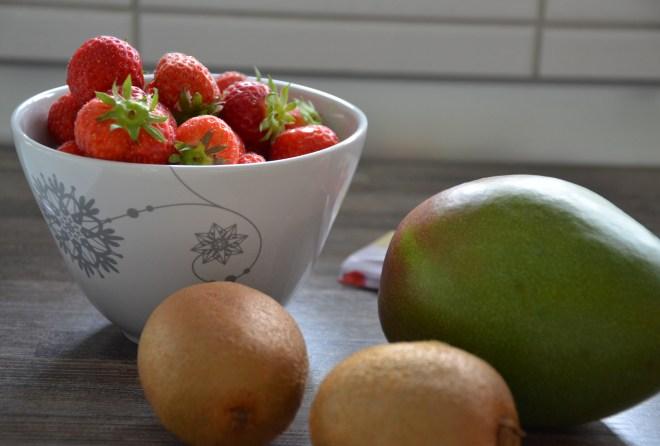 Obst für die exotische Obsttorte