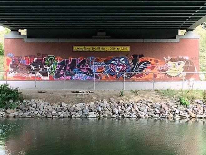 Brückengraffiti