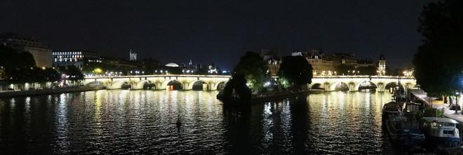 Seine mit Brücke