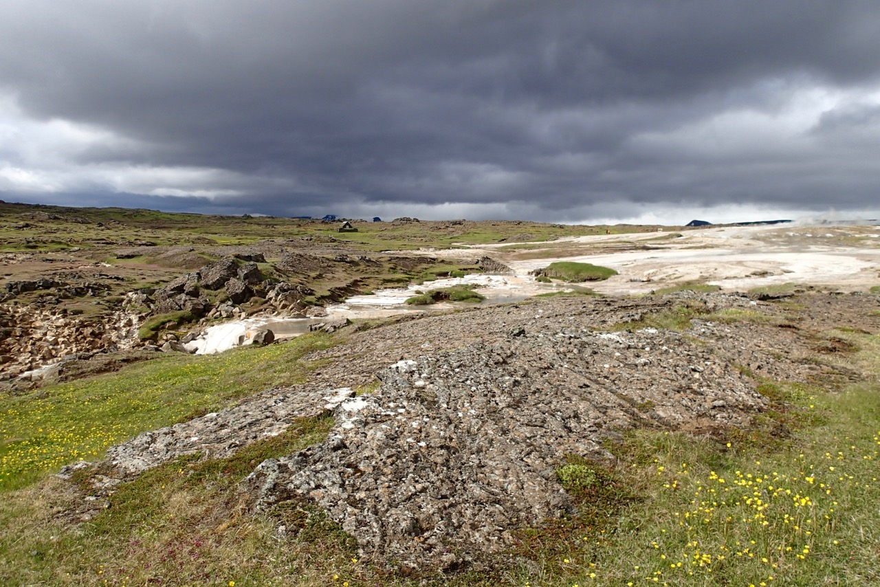 The geothermal area of Hveravellir