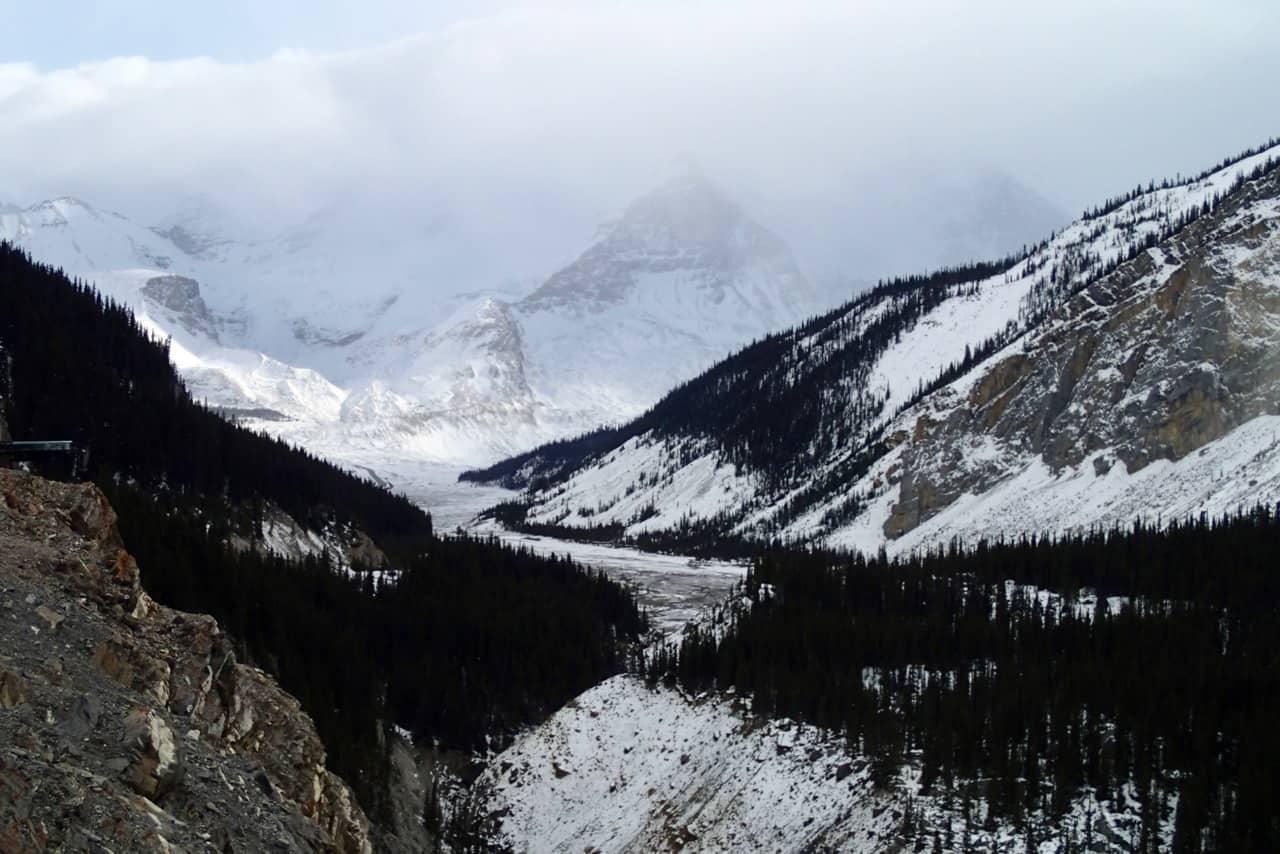 In de verte zie ik het Columbia Icefield liggen