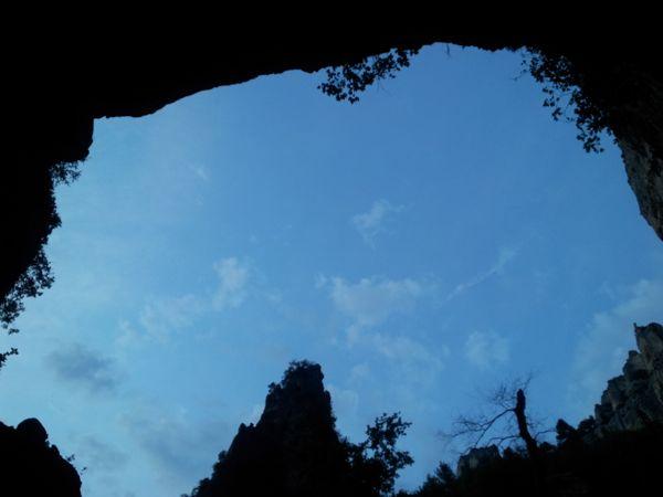 fontaine du vaucluse sky