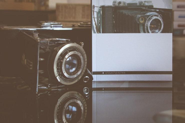 Fotografia analogowa - materialność obrazu