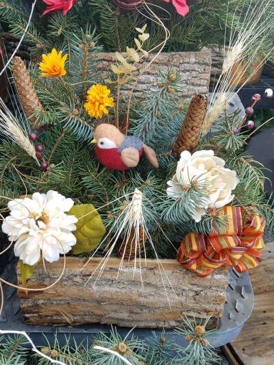 Cemetery Logs Pots And Blankets Herbeins Garden Center
