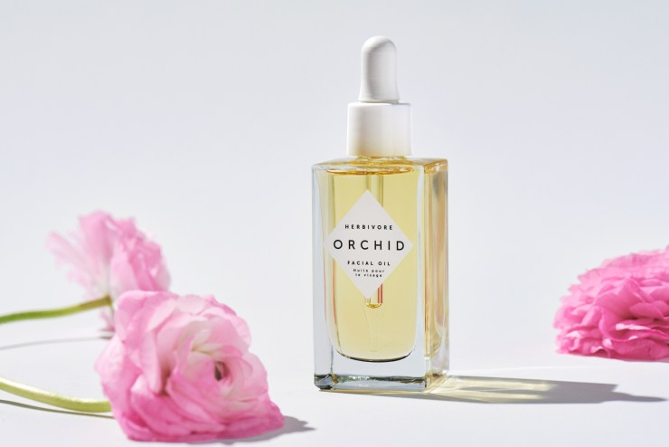 Five Ways to Use Orchid Oil
