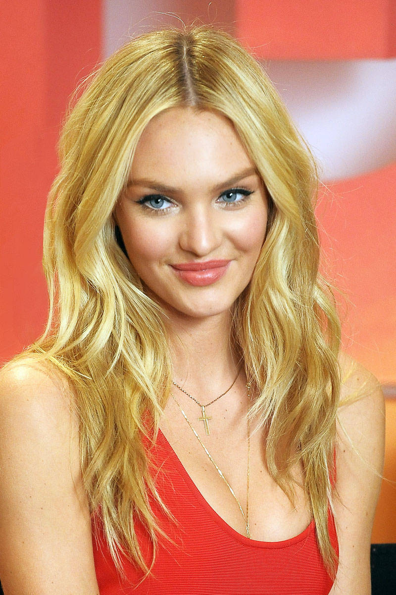 Beautiful Candice Swanepoel Her Bra Size