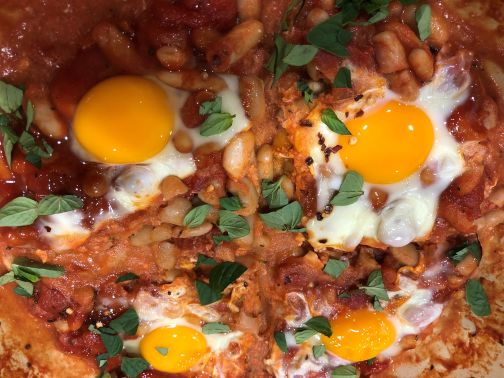 Baked beans and eggs