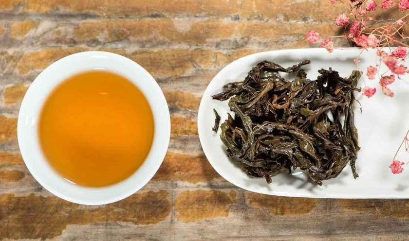 Black tea for skin