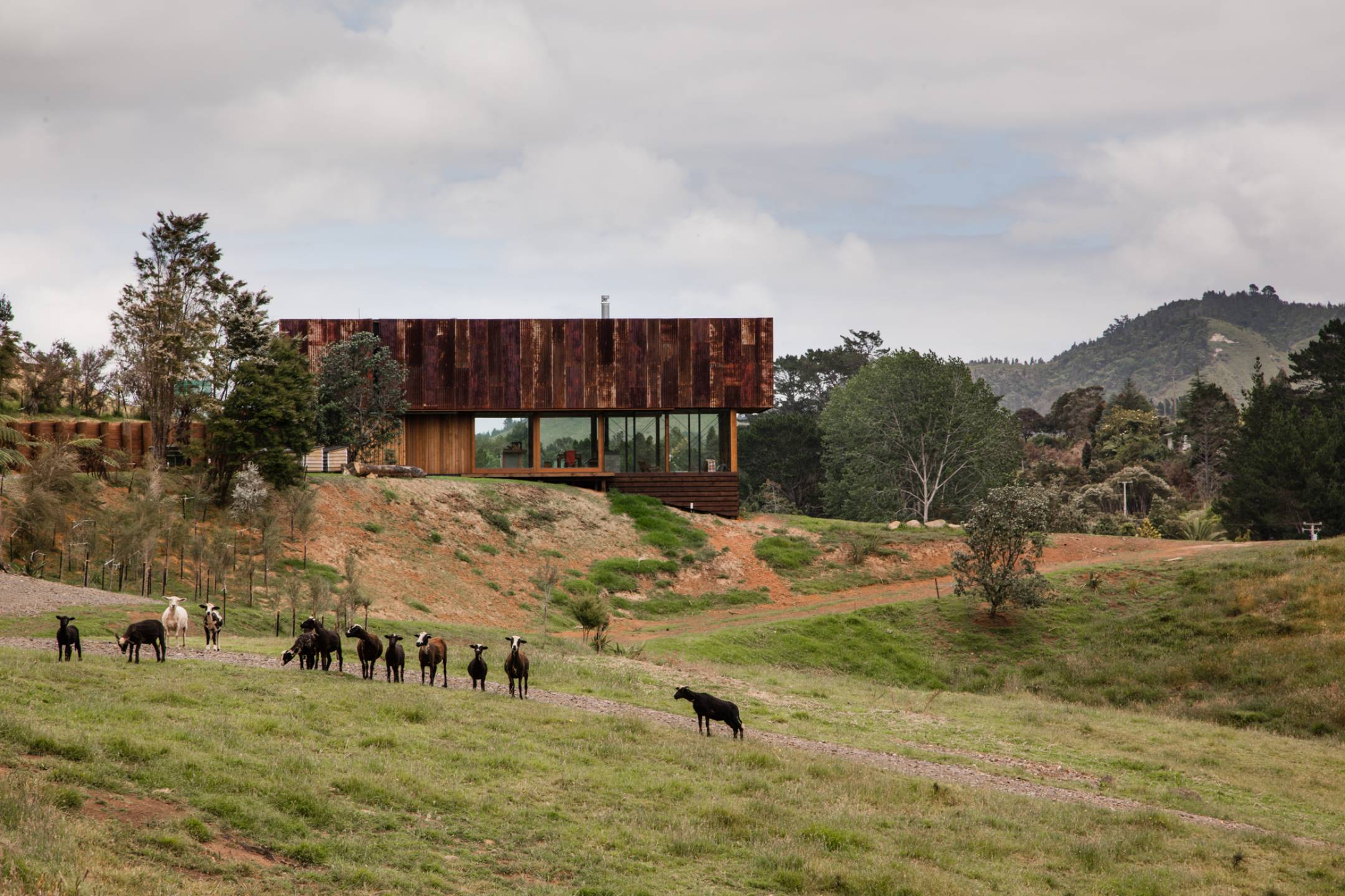 Lance & Nicola Herbst of Herbst Architects link their structures to ...