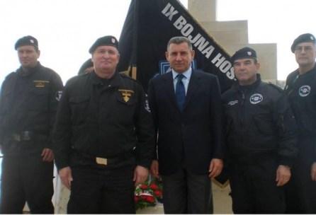"""Kada je trebalo zadržati Škabrnju, Ante Gotovina je znao koga treba zvati:  """"ZOVITE HOS-ovce!""""   Hercegovački portal"""