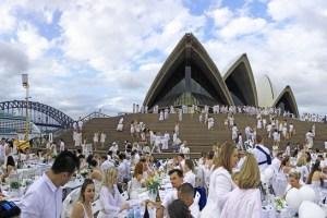 【悉尼小确幸】Diner en Blanc 2015 在悉尼歌剧院.::浪漫高雅的白色晚宴(初次参加者攻略)::.
