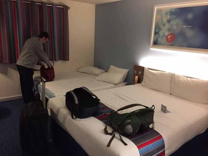 3 men 2 bed
