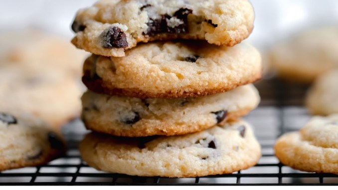 Best Keto Chocolate Chip Cookies