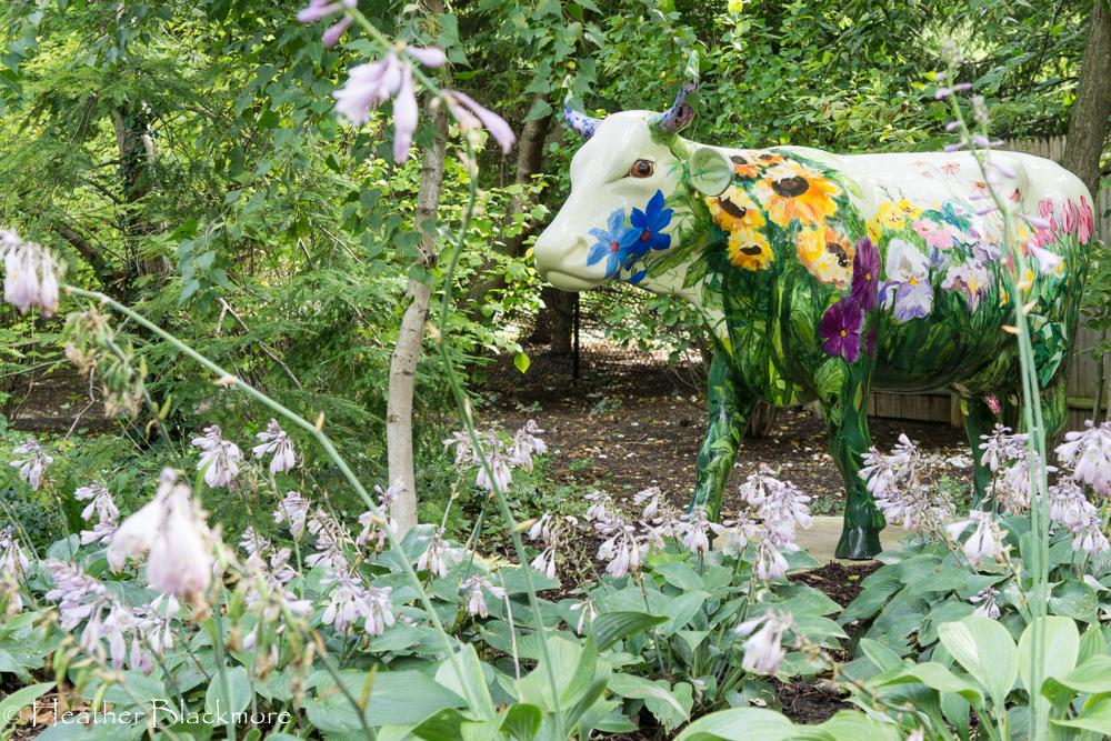 Cow garden sculpture