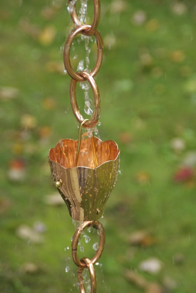 Rain chain with water