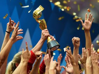 uswnt-lift-the-world-cup