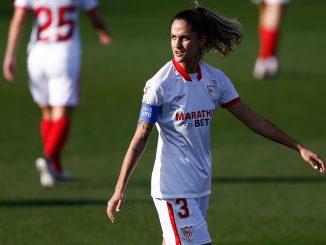 Lucia Ramirez of Sevilla CF looks over her shoulder.