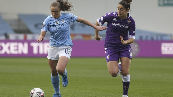 Manchester City's Georgia Stanway competes against Fiorentina's Tessel Middag.