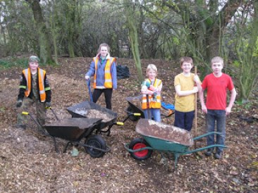 Nunckley Trail young volunteers