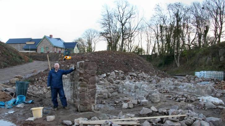 Stonemasons' Huts in progress