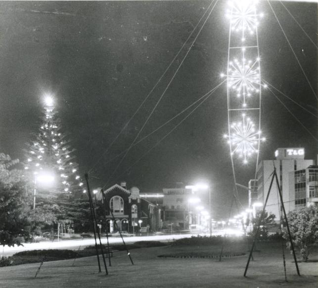 decorations-queens-drive-h-n-1971-001