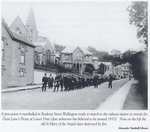 1910 procession