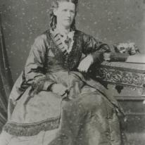 Isabelle Welch, nee Harper, married James Read Welch in 1862. Hutt City Libraries.
