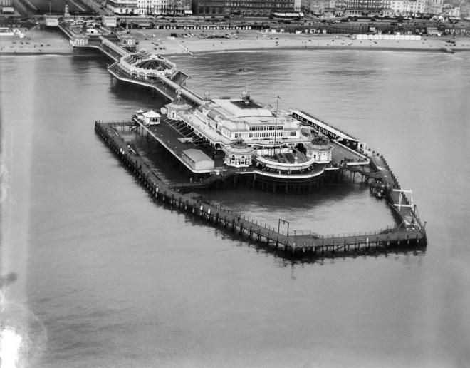 West Pier, Brighton, 1927 © English Heritage