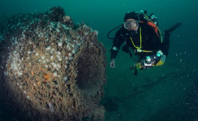 Diver Inspecting Holland V submarine that has been removed from the 2014 Heritage at Risk register (C) Martin Davies