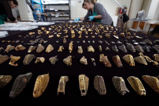 Conservators identifying and conserving the Hoard fragments  (c) Birmingham Museums Trust