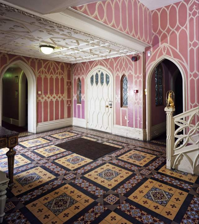 "walpole house, ground floor entrance, view from south east. (colour). strawberry hill greater london richmond upon thames twickenham Completed in 1776, Strawberry Hill was extensively remodelled by its most famous owner, Horace Walpole. Walpole was one a group of four male friends who called themselves the ""Committee of Taste"" and advised each other on architecture and interiors. The decorative style of Strawberry Hill is often described as ""queer gothic"".  There is no evidence Walpole had any sexual relationships with men, but he had a number of close friendships with other bachelors. He was described as an effeminate man by contemporaries. On his death in 1797, Walpole left Strawberry Hill House to his niece, the lesbian sculptor Anne Damer, who lived there until 1811."