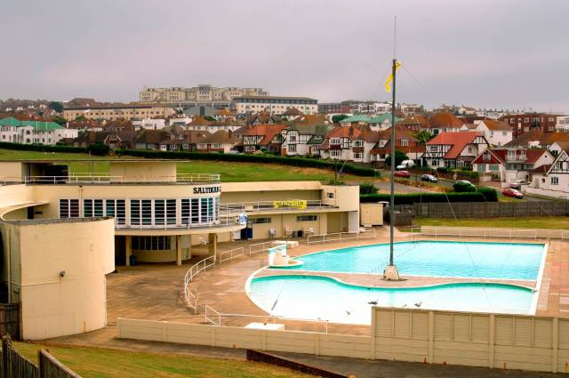 The Saltdean Lido in Brighton and Hove © Historic England